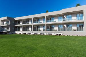 Marinos Beach Hotel-Apartments, Aparthotels  Platanes - big - 28