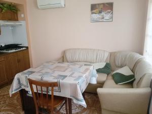 Gostevoy Dom Otdyh na Tallinskoy, Guest houses  Loo - big - 8