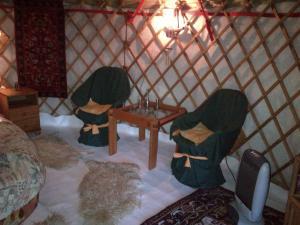 Almond Grove Yurt Hotel, Zelt-Lodges  Ábrahámhegy - big - 21