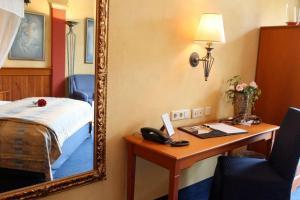 EUT-IN Hotel Alte Straßenmeisterei, Guest houses  Eutin - big - 3
