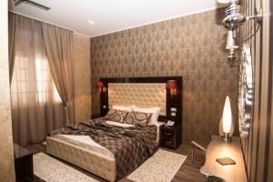 Hotel Boutique Restaurant Gloria, Hotels  Tirana - big - 11