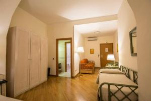 Piazza Paradiso Accommodation, Affittacamere  Siena - big - 90
