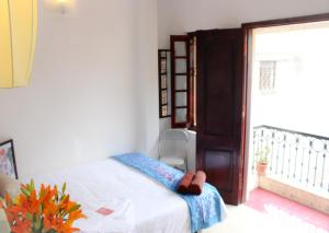 Hanoi Classic & Local life - Deluxe Double or Twin Room with Balcony and City view