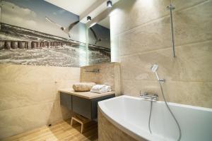 Stay-In Riverfront Lofts, Апартаменты  Гданьск - big - 49