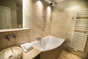 Stay-In Riverfront Lofts, Апартаменты  Гданьск - big - 50