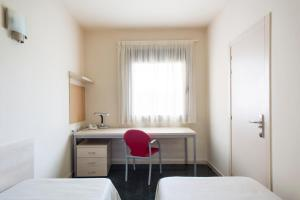 Residencia Universitaria Giner de Los Ríos, Hostels  Alcalá de Henares - big - 11