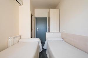 Residencia Universitaria Giner de Los Ríos, Hostels  Alcalá de Henares - big - 14