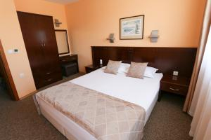 Hotel Divesta, Отели  Варна - big - 15