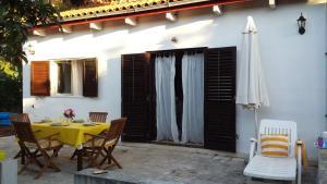 Holiday Home Pini, Дома для отпуска  Mirce - big - 2