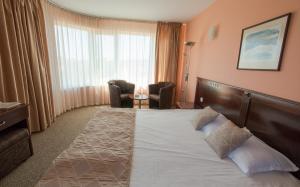 Hotel Divesta, Отели  Варна - big - 8