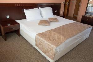 Hotel Divesta, Отели  Варна - big - 6