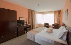 Hotel Divesta, Отели  Варна - big - 16