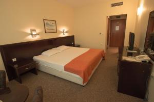 Hotel Divesta, Отели  Варна - big - 4