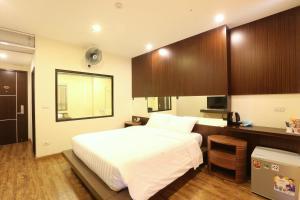 Au Viet Hotel, Отели  Ханой - big - 37