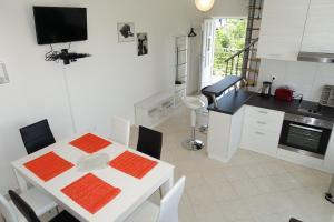 Olive Apartments, Apartmány  Ugljan - big - 37