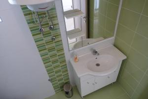 Olive Apartments, Apartmány  Ugljan - big - 29