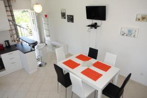 Olive Apartments, Apartmány  Ugljan - big - 27