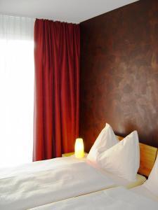 Hotel Restaurant Jura, Мини-гостиницы  Kerzers - big - 3