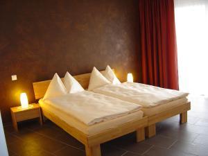 Hotel Restaurant Jura, Мини-гостиницы  Kerzers - big - 5