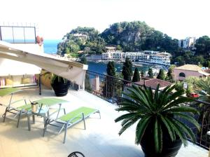 Panoramic Apartments Taormina Mazzarò, Apartmanok  Taormina - big - 37