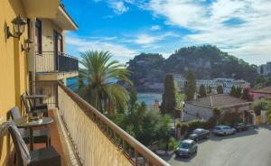 Panoramic Apartments Taormina Mazzarò, Apartmány  Taormina - big - 12
