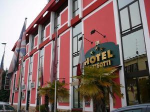 Hotel Matteotti, Hotely  Vercelli - big - 1