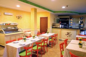Hotel Matteotti, Hotely  Vercelli - big - 20