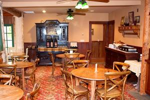 Weasku Inn, Отели  Grants Pass - big - 50
