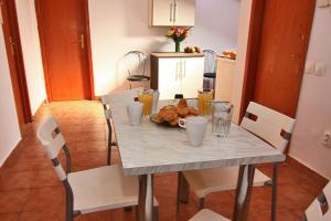 Nirvana Accommodation, Апартаменты  Бухарест - big - 32