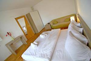 Nirvana Accommodation, Апартаменты  Бухарест - big - 49