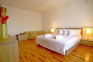 Nirvana Accommodation, Апартаменты  Бухарест - big - 54