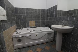 Nirvana Accommodation, Апартаменты  Бухарест - big - 72
