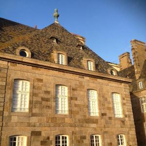 Apartment Le 1725, Ferienwohnungen  Saint-Malo - big - 30