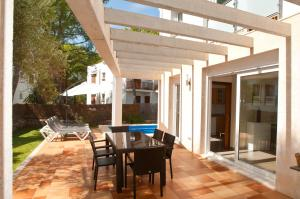 Villa Ferrera Select A, Case vacanze  Cala Ferrera - big - 22