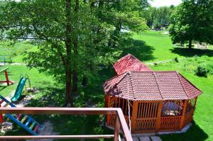 Apartmany u Janka Vinné Jazero, Penzióny  Vinné - big - 36