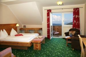 Heidi-Hotel Falkertsee, Отели  Патергассен - big - 7
