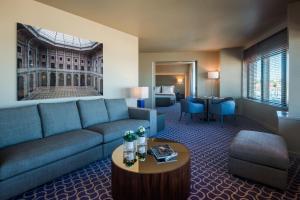Hotel Dom Henrique - Downtown, Отели  Порту - big - 25