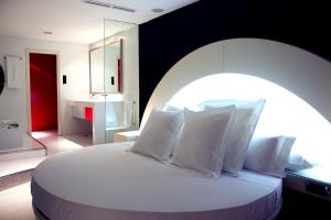 Deluxe Suite with Spa
