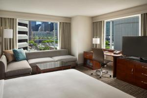 King Room with Nathan Phillips View
