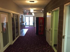Royal Oak Inn, Hotels  Whitecourt - big - 14