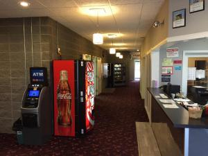 Royal Oak Inn, Hotels  Whitecourt - big - 16