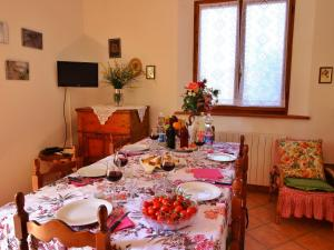 Il Crocino Di Lecchi Torre, Holiday homes  San Sano - big - 13