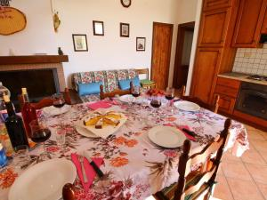 Il Crocino Di Lecchi Torre, Holiday homes  San Sano - big - 10