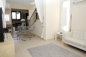 Sand Beach Villa, Holiday homes  Voroklini - big - 26