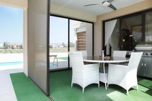 Sand Beach Villa, Holiday homes  Voroklini - big - 7