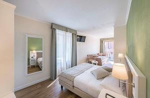 Hotel Garni Corona, Отели  Менаджо - big - 29