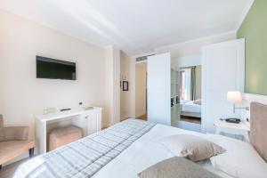 Hotel Garni Corona, Отели  Менаджо - big - 39