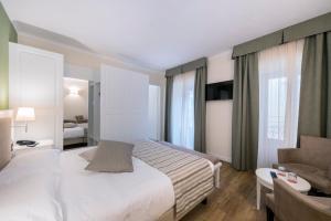 Hotel Garni Corona, Отели  Менаджо - big - 35