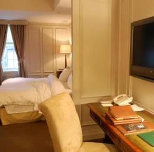 Junior Suite, King Bed