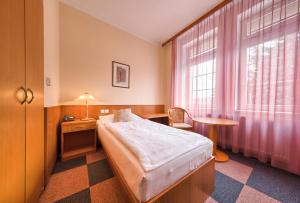Wellness Hotel Babylon, Szállodák  Liberec - big - 28